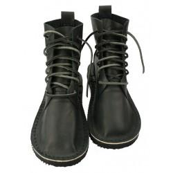 Leather shoes from Trek, model Basic 7