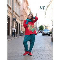 Comfortable trousers made of sweatshirt fabric.