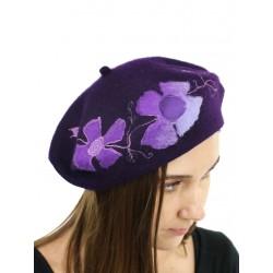 Ladies' purple beret made of wool