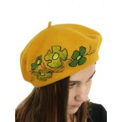 Ladies' honey beret made of wool