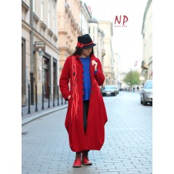 Long red winter coat made of steamed wool