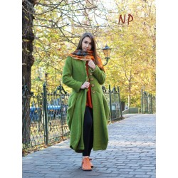 Long green winter coat made of steamed wool