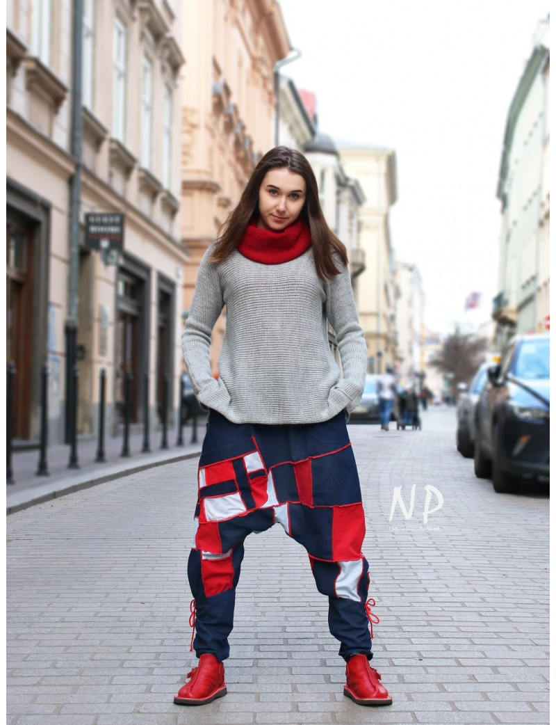 Alladyn's denim colored trousers made of a combination of denim and knitted cotton