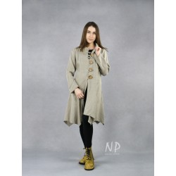 Women's linen coat fastened with buttons in the color of natural linen.