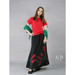 Long black linen skirt with sewn-on flowers