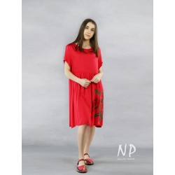 Hand-painted red dress made of viscose and silk