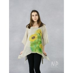 Linen blouse with elongated sides, decorated with hand-painted sunflowers