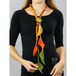 Long necklace made of felt in the form of a twig with leaves and an attached brooch