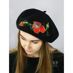 Ladies' black wool beret decorated with felted flowers