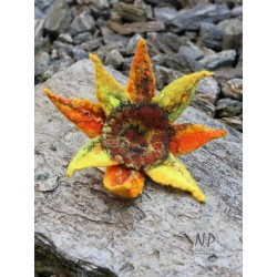 Hand-felted women's brooch in the form of a sunflower with the possibility of pinning the hair