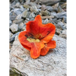 Orange brooch for women hand-felted in the form of a flower with the possibility of pinning the hair