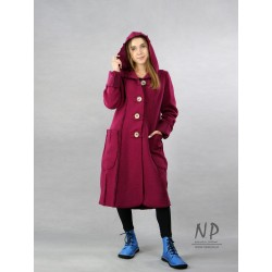 Knee-length amaranth winter coat made of steamed wool