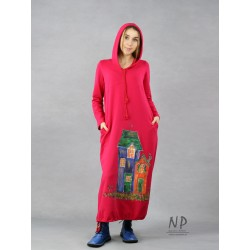Maxi dress with a hood in raspberry color, made of knitted cotton, decorated with hand-painted houses.