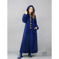 Women's navy blue long winter coat with a hood, made of steamed wool.