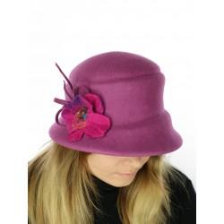 Elegant felt hat with a narrow, sloping brim