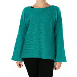 Simple-cut women's wool sweater with long sleeves.