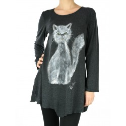Asymmetrical knitted blouse decorated with a hand-painted cat
